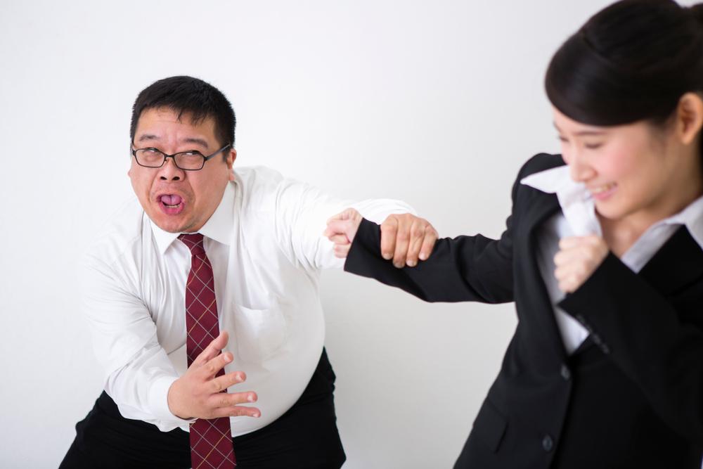 男性ばかりの職場で「生理痛で休む!」と言っても、平気だった【実体験談を話す】